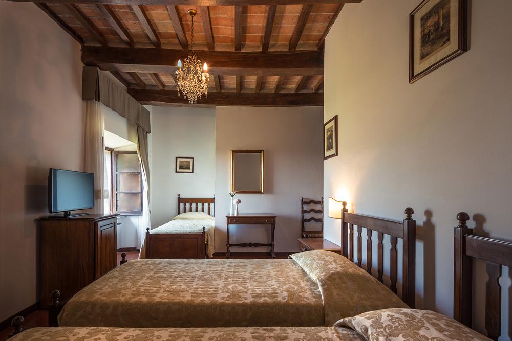 hotel_villa_montegranelli_camera_tripla_3